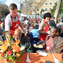Top Chefs Prepare Thanksgiving Feast for the Homeless